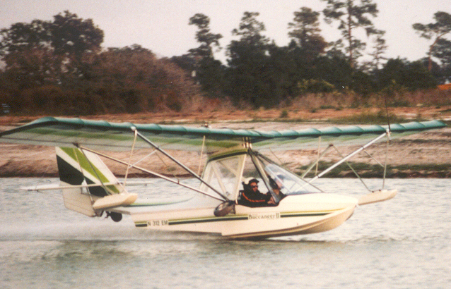 Two Place Ultralight Aircraft http://ultralightnews.ca/sails/buccaneer2.htm